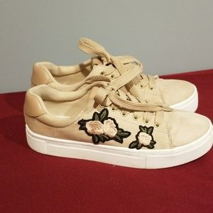 H&M Champagne Color Sneakers w/ appliqued flowers